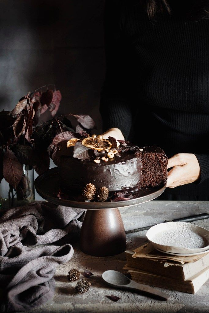 CROMÌE   BROWN (DARK CHOCOLATE CAKE WITH HAZELNUTS AND RHUM)