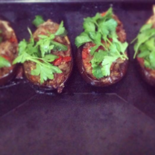 Imam Bayildi - stuffed and roasted eggplants recipe on www.thewannabecook.com #paleo #vegetarian #vegan #Turkish