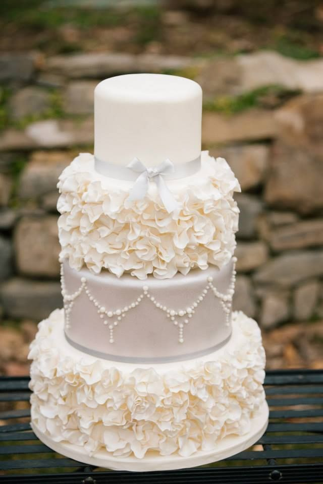 Gorgeous wedding cake; Photo: Claire Marika Photography