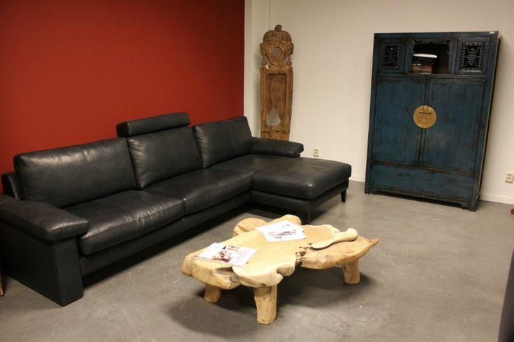Aziatische meubelen gecombineerd met de bankstellen van #machalke. Quality meets Craftsmenship