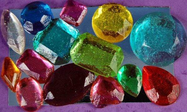 Edible Sugar Gem Stones!  from a good source for sugar art supplies