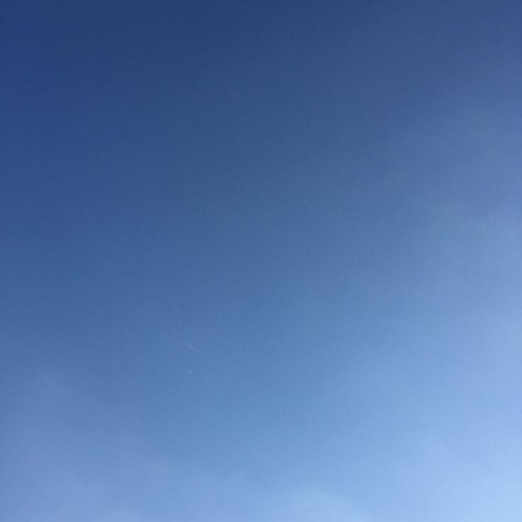 今日の平和!Peace For Today! #7年前 の今日 #息子誕生前日 です。あの日の今頃嫁と商店街を散歩してたなぁ〜 (^_^) #today #peace #sky #osaka #japan #今日 #平和 #空 #大阪 #日本