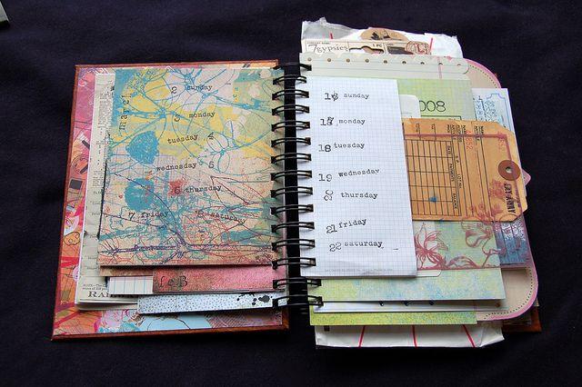 LOVE these DIY planners.... part planner / part art journal - love it!