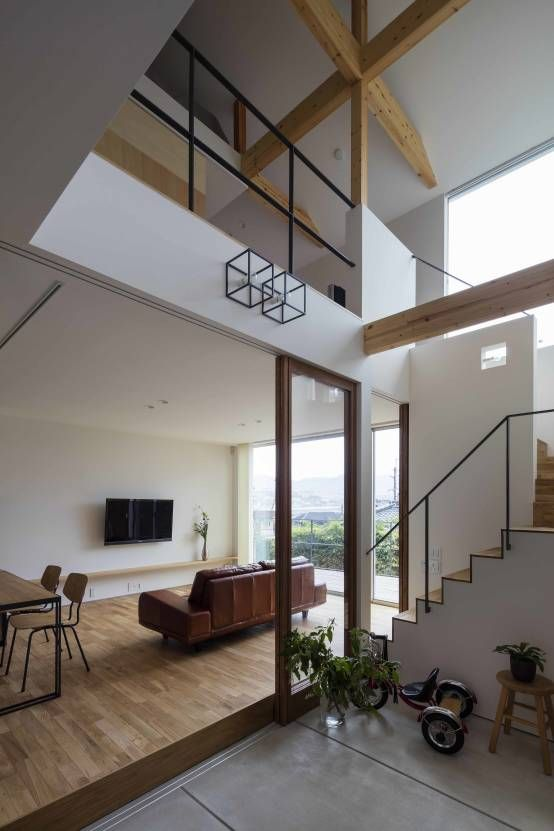 arbol の モダンな 多目的室 生駒の家 House in Ikoma