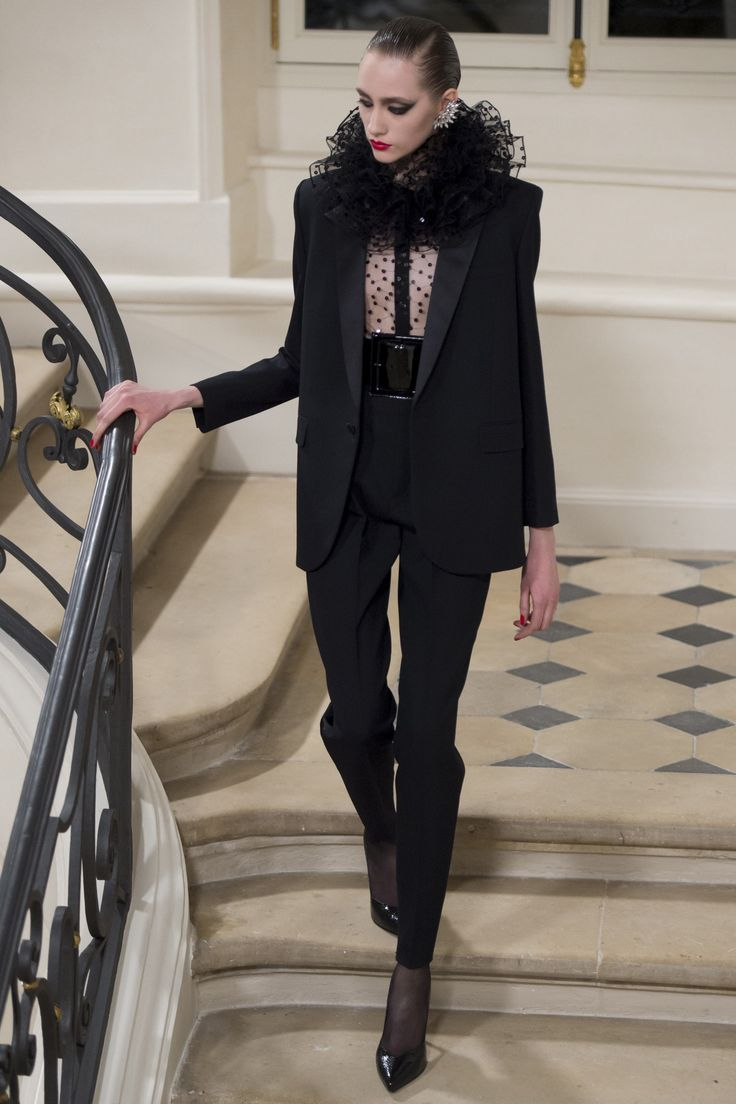 Saint Laurent Fall 2016 Ready-to-Wear Fashion Show - Lia Pavlova (NEW MADISON)