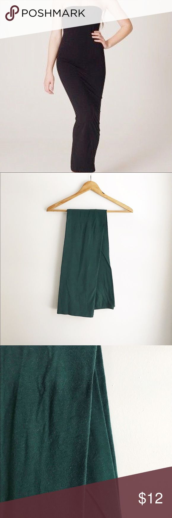 American Apparel Green Tube Dress The classic tube dress from now defunct American Apparel. This style has been a staple layering piece for me for years. Stretchy, comfy, sexy. Great on its own or layered under tanks, sweaters, and more! Ever-so-slightly faded, but lots of wear left. *NOTE: this is NOT black, as in first photo, but is a deep hunter green.* Size M will fit approx. size 4-10. American Apparel Dresses Maxi