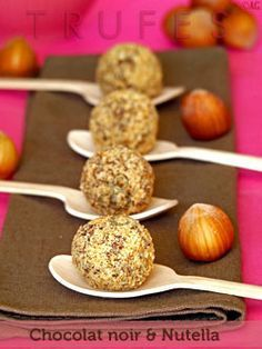 Retour du chocolat sur mon blog avec ces très gourmandes truffes au Nutella. Je n'ai pas pu résister … Après la version aux carambars, il me fallait tenter la version au Nutella ! J'aime beaucoup l'association chocolat / noisettes. Et...