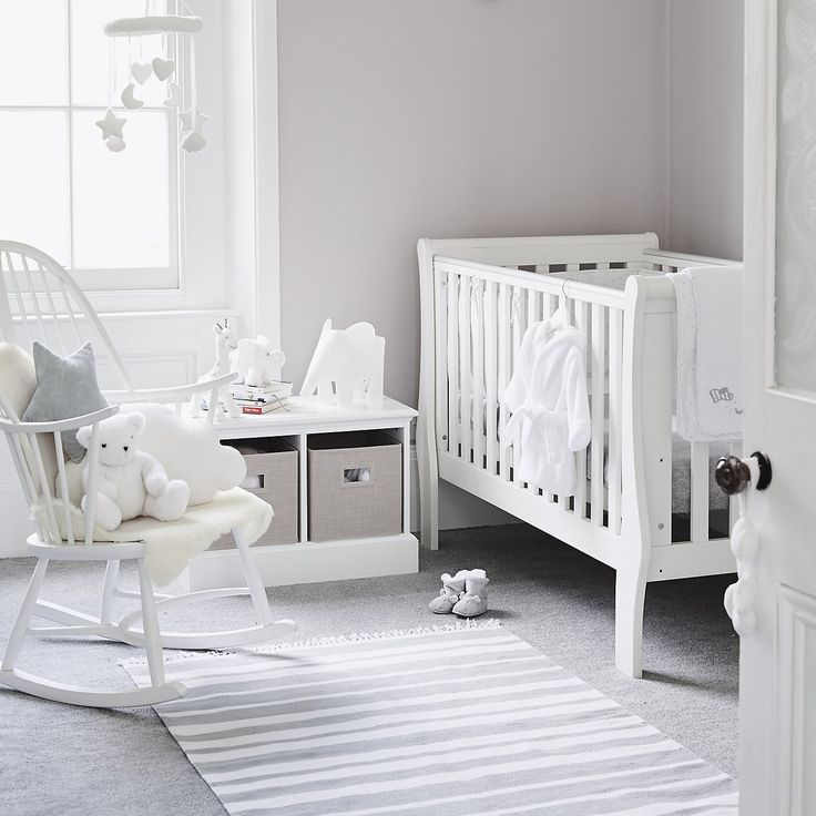 I want a grey and white nursery!!!