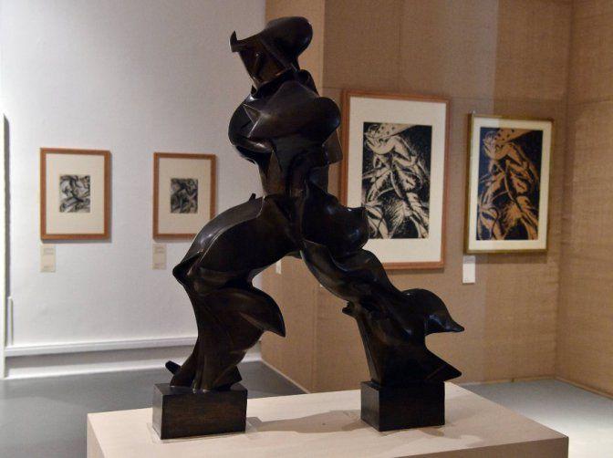 Umberto Boccioni, Forme uniche della continuità nello spazio (1913, realizzazione in bronzo degli anni'50, Milano, Galleria d'arte moderna, photo credits: laRepubblica.it)