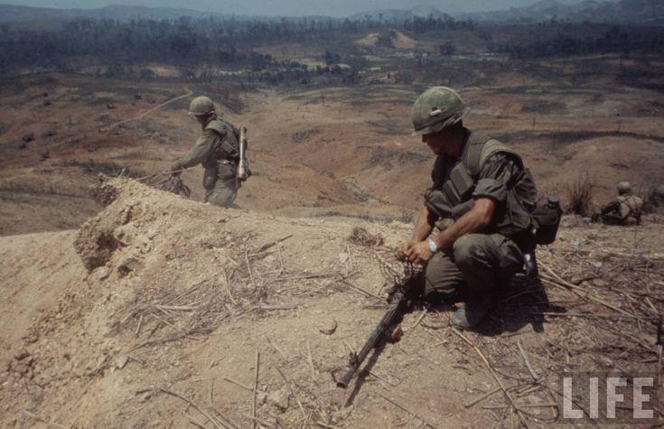 Larry-Burrows-Vietnam-war-photos-34.jpeg 1.280×827 pixel
