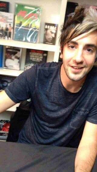 Day 4 - Favourite guitarist I love Jack Barakat he's my favourite guitarist and I wish to play like him one day :)