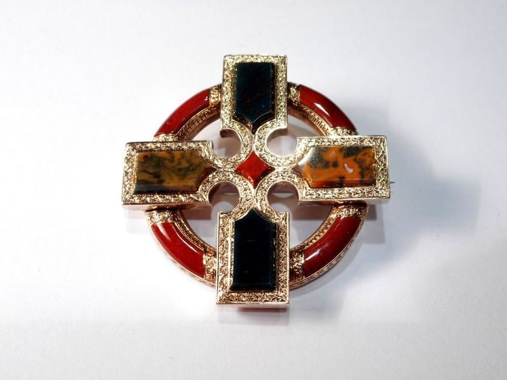 SUPERB VICTORIAN 15CT YELLOW GOLD SCOTTISH AGATE BROOCH