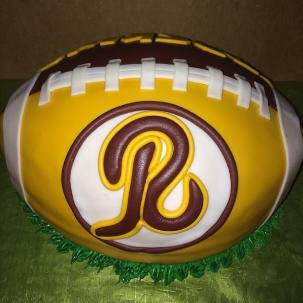Redskins football cake