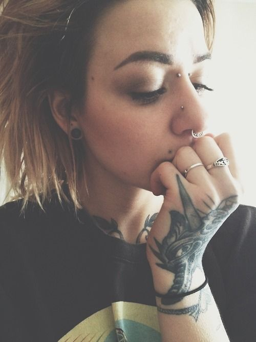 piercing hipster Grunge tattoos punk Alternative dyed hair alternative girl tattooed girl girls with tattoos inked girls alternative hair dandandinomight •