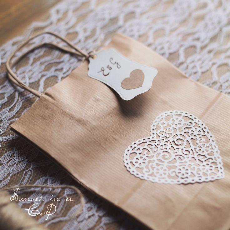 10 wedding bag in carta kraft di SunsetInACup su Etsy https://www.etsy.com/it/listing/222592436/10-wedding-bag-in-carta-kraft