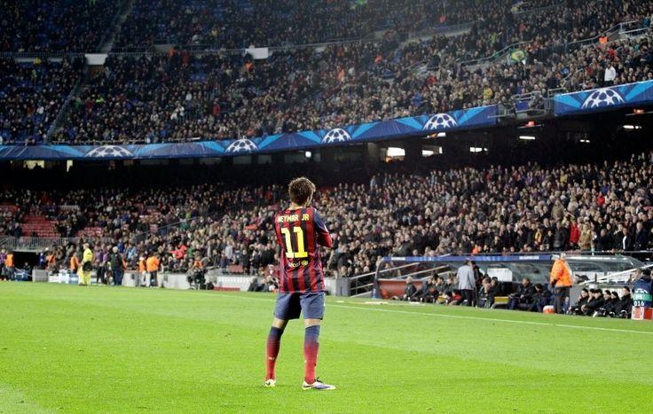 'Escandaloso', Neymar sai da sombra de Messi e conquista elenco do Barça - Futebol - UOL Esporte