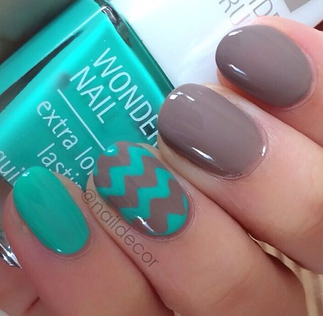 Chevron accent nail. I also like how the solid nails are in two colors.