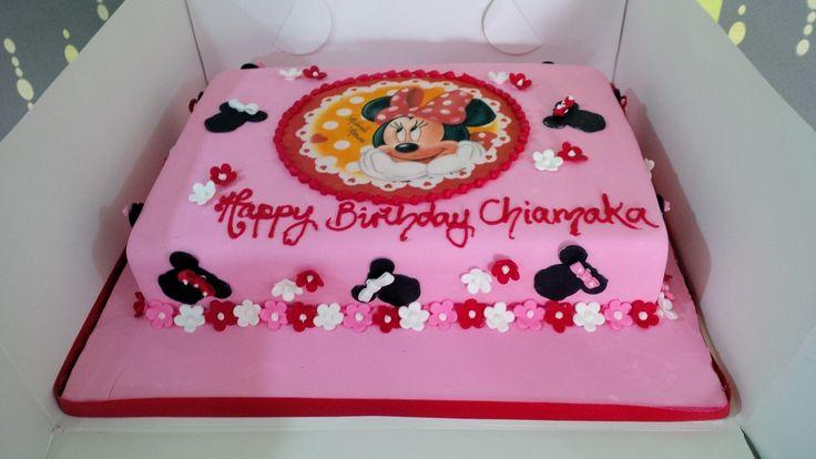 έ ό Minnie Mouse Square Cake Pastel