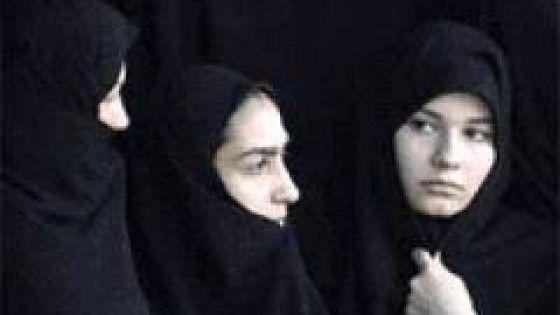 I DIRITTI DELLE DONNE IN IRAN Ad un anno dall'insediamento, il presidente iraniano si trova a fare i conti con l'agguerrita componente conservatrice della società che occupa settori