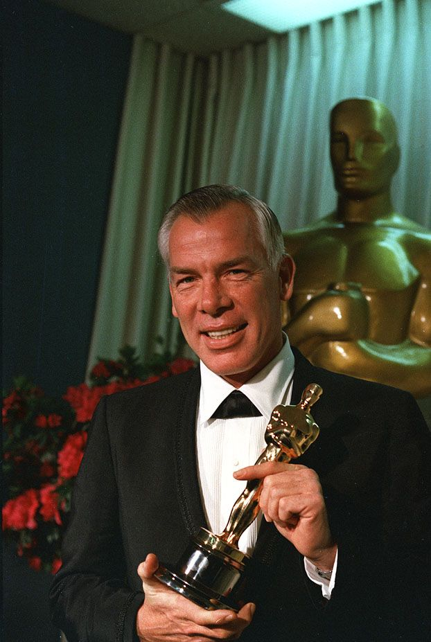 1966, actor Lee Marvin won Best Actor for his role in Cat Ballou. Other actors winning with him were Shelly Winters (Touch of Blue), Marty Balsam (Thousand Clowns) and Julie Christie (Darling).