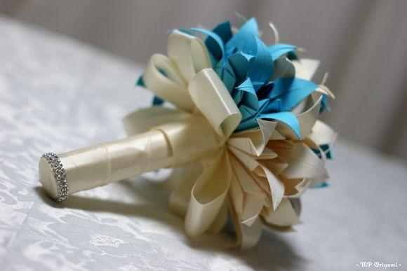 Buquê de origami em flores de lirios, uma bela opção para guardar para sempre , uma lembrança de um momento único em sua vida!