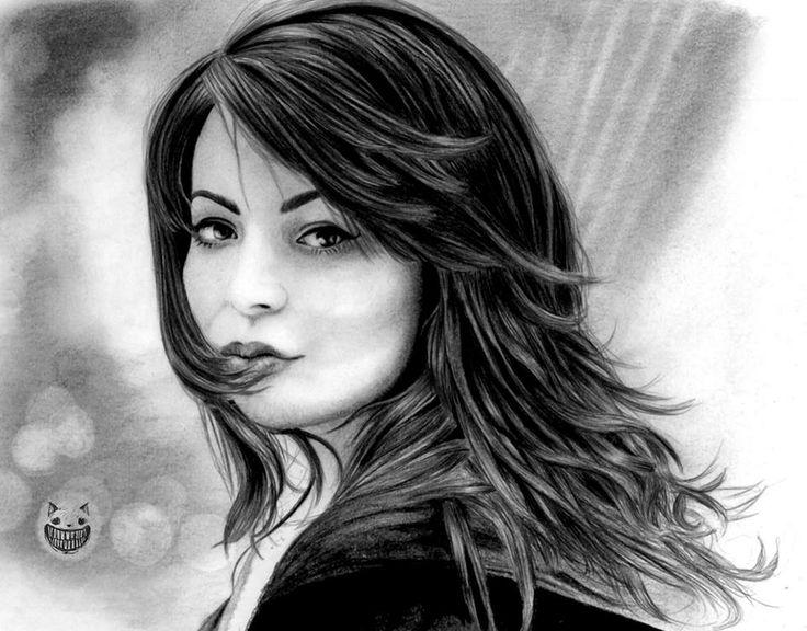 Miranda Cosgrove :)