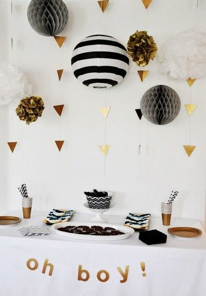 DIY Gold Banners For Black And White Lanterns - Halloween Decoration DIYs - Photos
