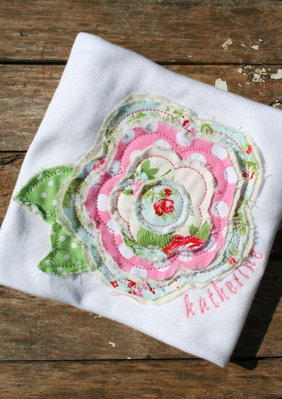 shabby chic flower ~ would be a cute start to a small applique quilt