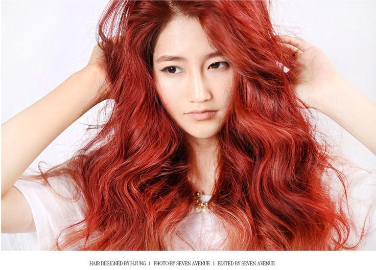Two tone red hair color. #haircolor #hair #color #dye #red #redhair #longhair #세븐에비뉴 #sevenavenue #투톤헤어 #투톤염색