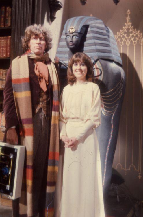Tom Baker and Elisabeth Sladen - Pyramids of Mars