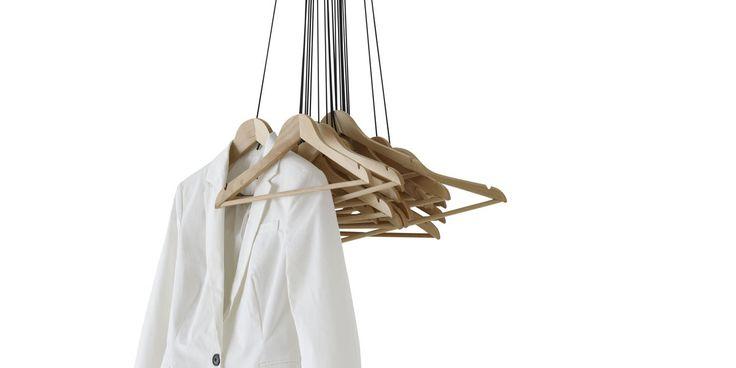 20 Hangers di Ligne roset. Acquistalo qui: http://www.nomadedesign.com/index.php/prodotti/contenitori-e-salvaspazio/102-20-hangers