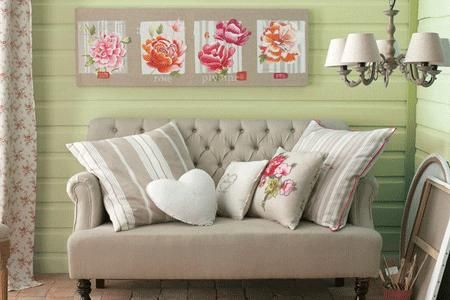 Get a Fresh new Feel in your Home this Spring.  decorating_with_spring_flowers_7