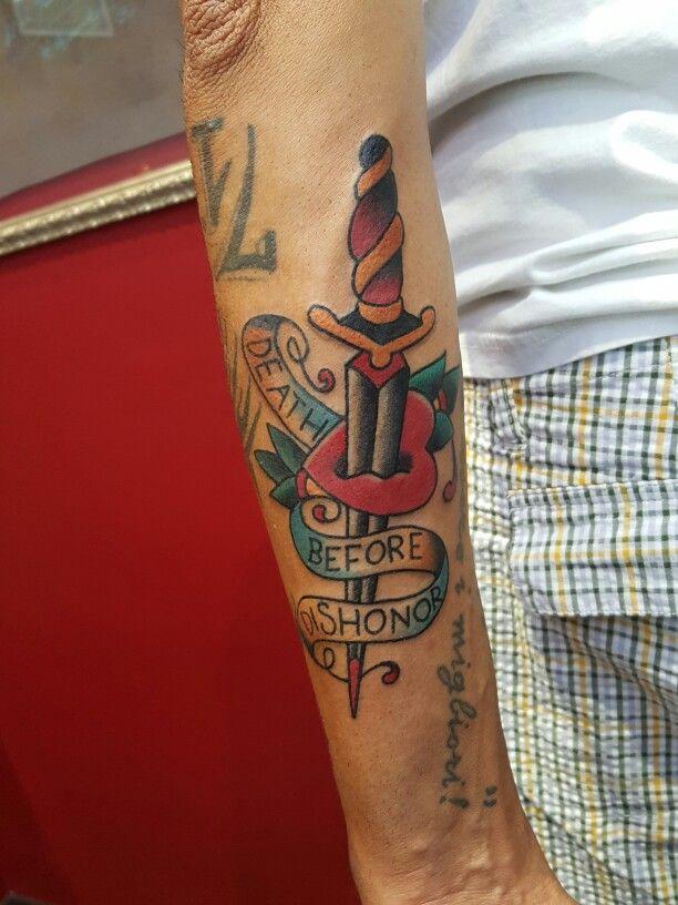 Old School tattoo  Instagram @jonatattoo  Fb.page Jona Tattoo Art  Email jonatattoo@email.it