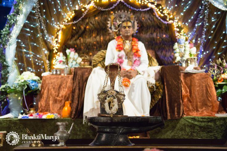 Paramahamsa Sri Swami Vishwananda enlightened spiritual master, beloved Guruji bhakti marga atma kriya yoga Парамахамса Шри Свами Вишвананда Ом Намо Нараяная Om Namo Narayanaya Нараяна Narayana Shiva Mahashivaratri Shivaratri Om Namah Shivay Шива Шиваратри Махашиваратри Ом намах Шивая Ashram Shree Peetha Nilaya Springen, Germany