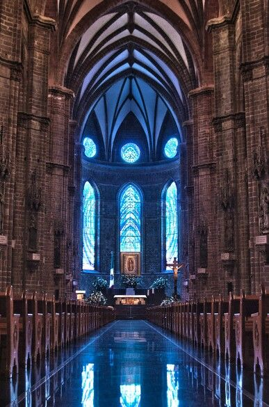 Interior of the Templo Expiatorio in Leon, Guanajuato.