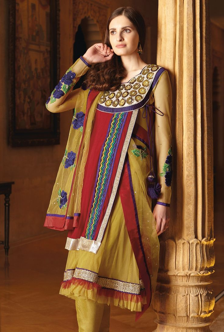 #Georgette Embroiderd #suit with chiffon Dupatta and Dyed rayon Bottom 7199A