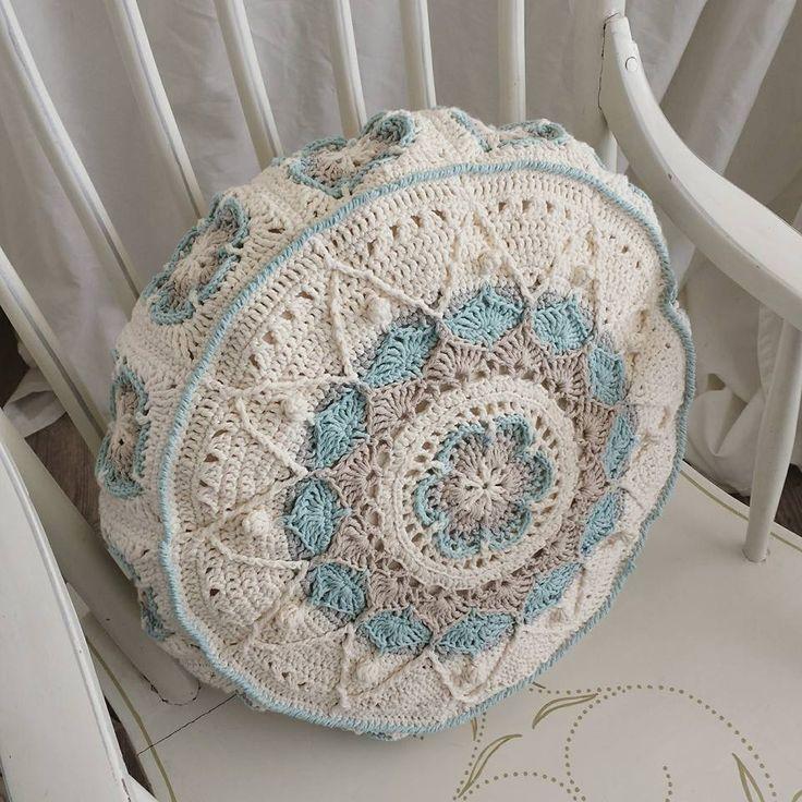 sophie pillow h keln kissen pinterest kissen h keln und stricken h keln. Black Bedroom Furniture Sets. Home Design Ideas