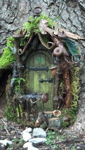 Домики для фей, эльфов и гномов в саду на даче (20 фото) | Декор сада | DecorWind.ru