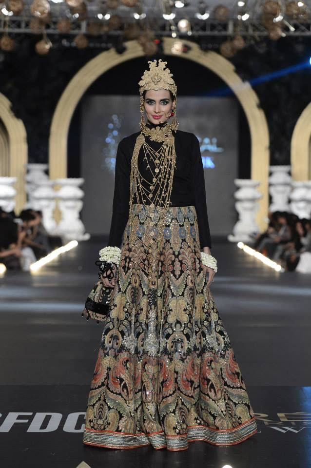Image from http://www.fashionmazia.com/wp-content/uploads/2013/11/Ali-Xeeshan-bridal-collection-at-loreal-fashion-week-2013-2.jpg.