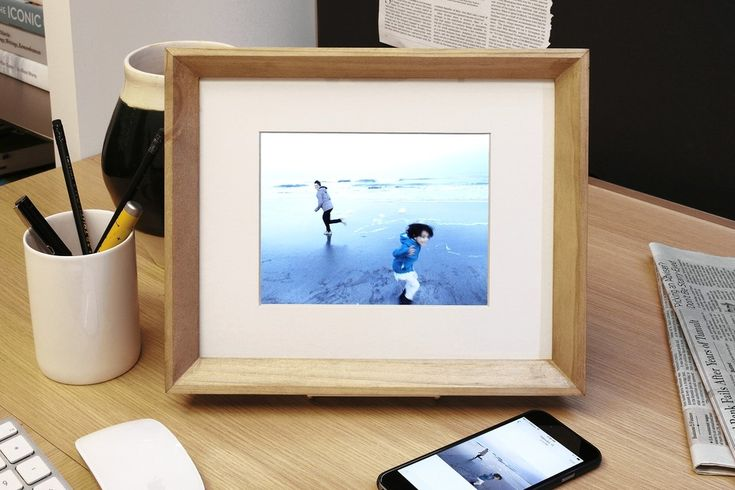 PIXEL PERFECT | The Nixplay Edge, a Wi-Fi-enabled digital photo frame, gets a low-tech face-lift...