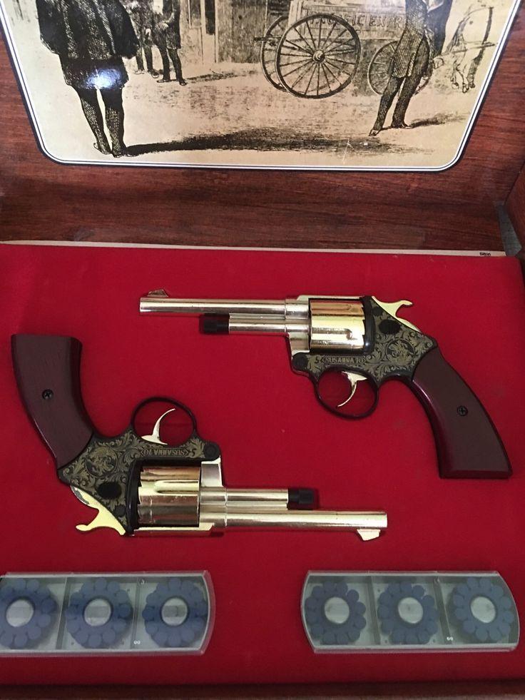 Le chouchou de ma boutique https://www.etsy.com/fr/listing/386301758/coffret-de-deux-2-revolverspistolets-de