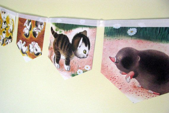 The Shy Little Kitten Storybook Paper Bunting by MagpieSailor on Etsy