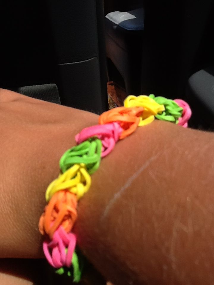 7 best images about rubber band crafts on pinterest for Toys r us crafts