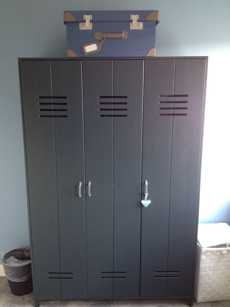 25 beste idee n over grijze jongens slaapkamers op pinterest grijze jongens kamers jongens - Blauwe en grijze jongens kamer ...