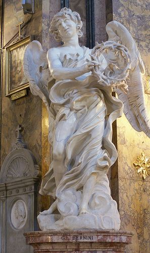 Rom, Via Sant'Andrea della Fratte, Sant'Andrea della Fratte, Engel mit der Dornenkrone von Bernini (angel with the crown of thorns by Bernini)
