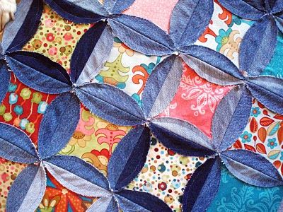 upcycle old jeans into a quilt/ duvet cover. : Front Back Quilts, Quilts Patterns, Denim Scrap, Denim Front Back, Cathedrals Window Quilts, Denim Quilts, Quilts Ideas, Passion Quilter, Old Jeans