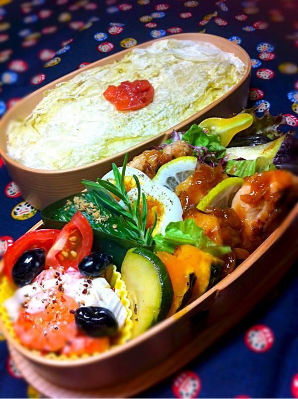 posted from @okukatu1130 おはようございます(^^)小雨の涼しい朝です。今日のお弁当できました。鳥ももの照り焼きソース、小エビとチーズのマヨ、ほうれん草浸し、水ナスのあっさり等〜♫ #お弁当 #obentoart #曲げわっぱ