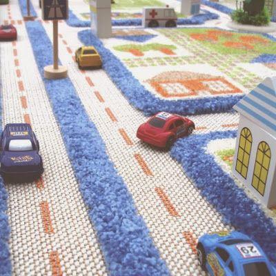 Tapete/carretera para jugar a los carritos. | La Guarida Geek
