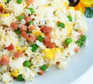Spam Fried Rice - A simple local style method for making fried rice! (*LG - Not the most flavorful fried rice I've had, but still tasty!)