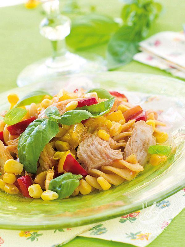 Facilissimo e veloce, il piatto Pasta fredda tonno e verdurine è una pietanza che lascia leggeri e sazia soddisfando il palato!